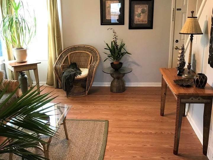 135 W Chanslor Ave, Richmond, CA, 94801 Townhouse. Photo 5 of 17