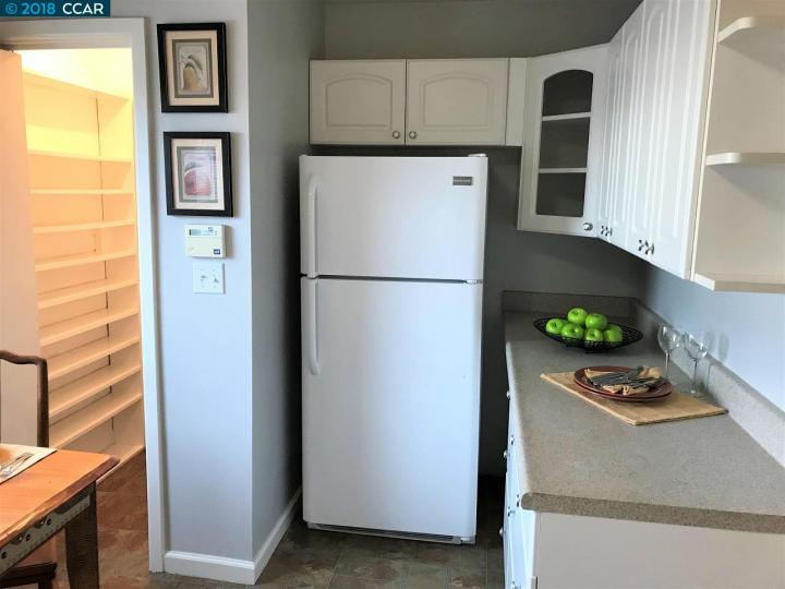135 W Chanslor Ave, Richmond, CA, 94801 Townhouse. Photo 6 of 17