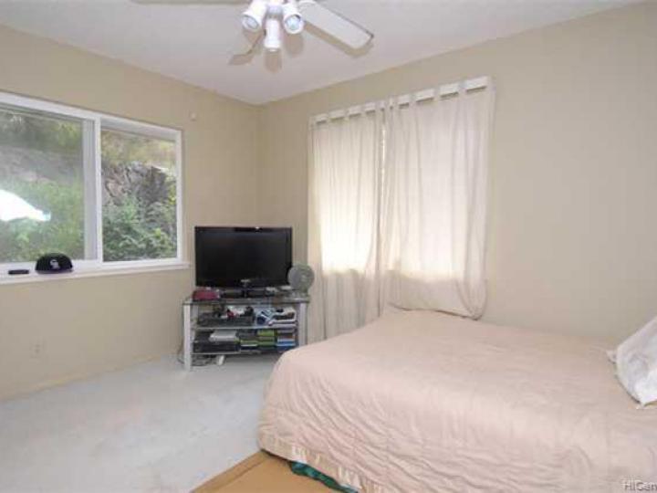 1392 Miloiki St Honolulu HI Home. Photo 8 of 10