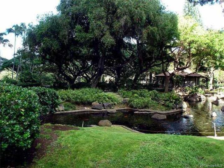 Queen Emma Gardens condo #830. Photo 5 of 6