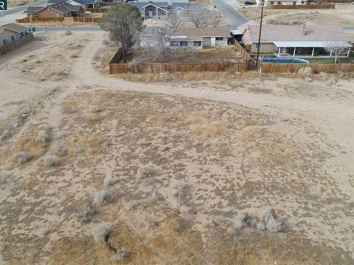 20277 Hacienda Blvd California City CA. Photo 11 of 21