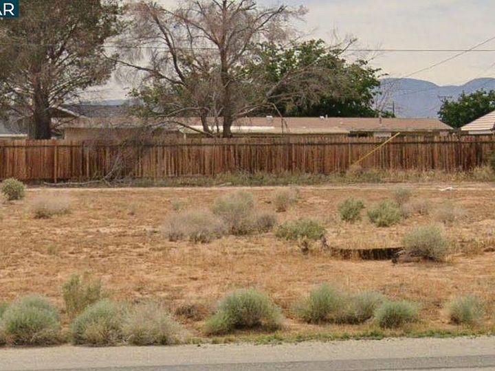 20277 Hacienda Blvd California City CA. Photo 12 of 21