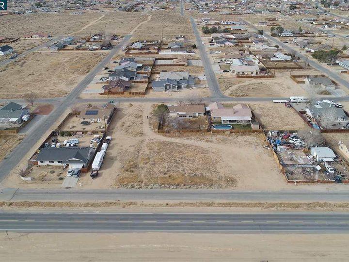 20277 Hacienda Blvd California City CA. Photo 15 of 21