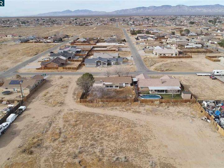 20277 Hacienda Blvd California City CA. Photo 18 of 21