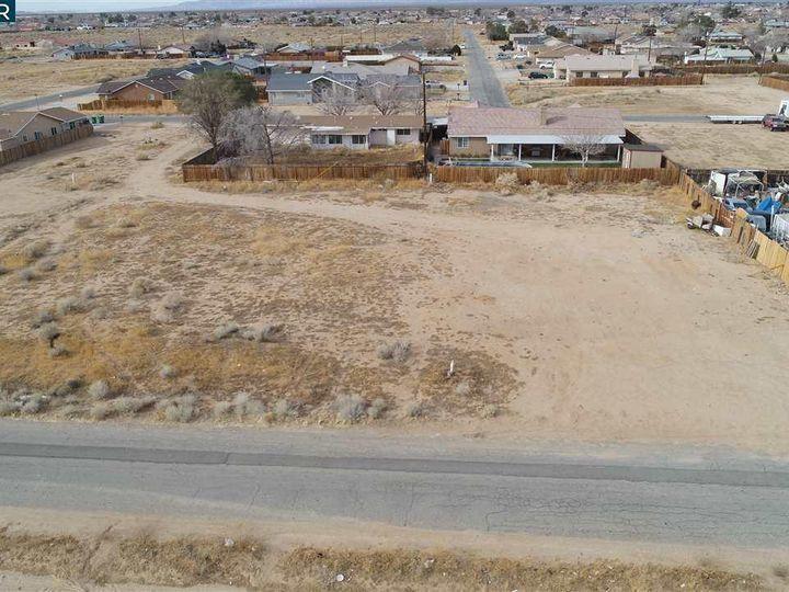 20277 Hacienda Blvd California City CA. Photo 8 of 21