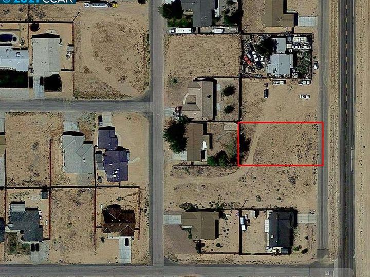 20277 Hacienda Blvd California City CA. Photo 9 of 21