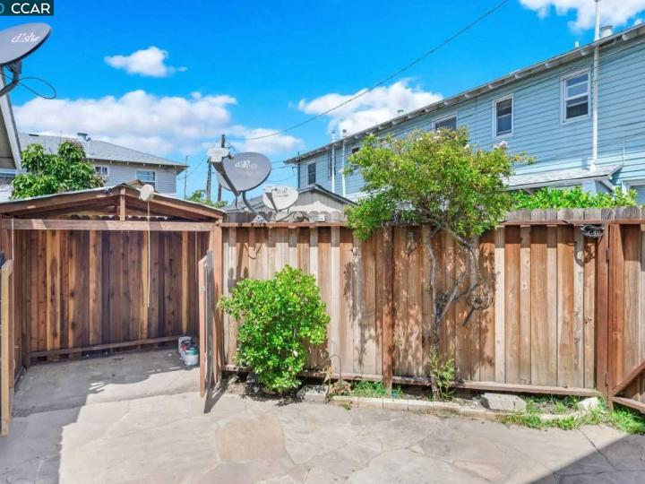 249 Curry St, Richmond, CA, 94801 Townhouse. Photo 12 of 13
