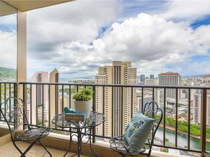 Chateau Waikiki condo #3610. Photo 7 of 25
