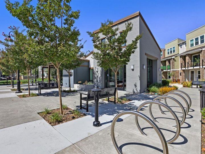 539 San Lorenzo Ter #4, Sunnyvale, CA, 94085 Townhouse. Photo 39 of 40