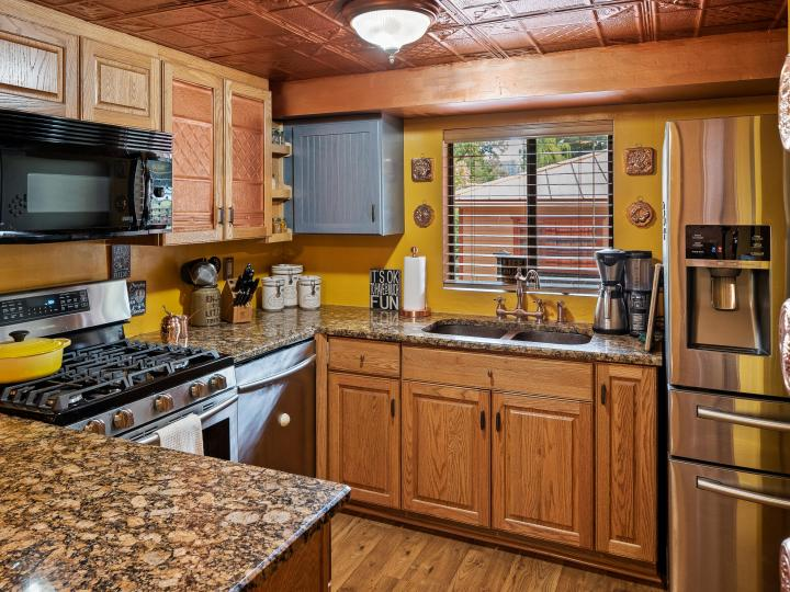 550 Staggs Loop Dr Sedona AZ Home. Photo 9 of 31