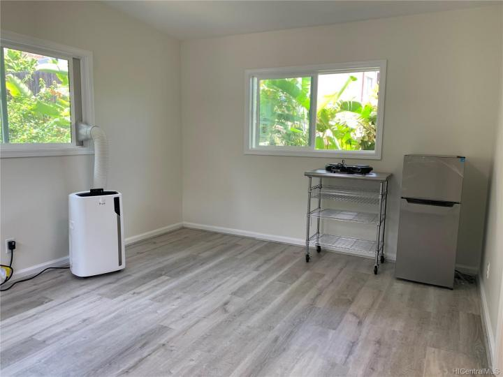 Rental 5930 Kalanianaole Hwy, Honolulu, HI, 96821. Photo 7 of 10