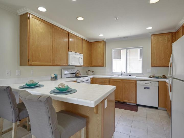 734 Chestnut St #4, San Carlos, CA, 94070 Townhouse. Photo 8 of 22