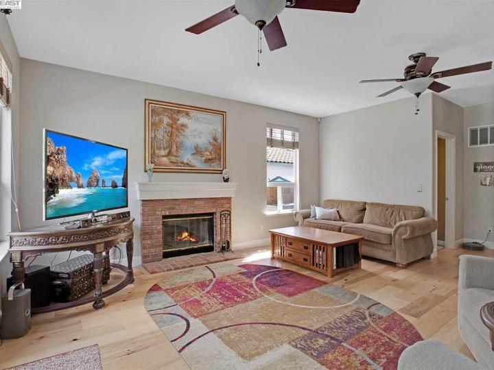 945 Wynn Cir Livermore CA Home. Photo 9 of 40