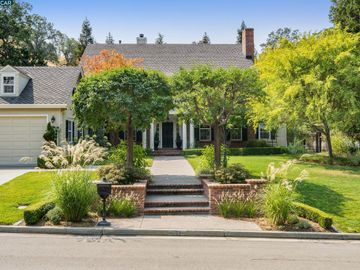 11 Brooktree Dr, Magee Ranch, CA