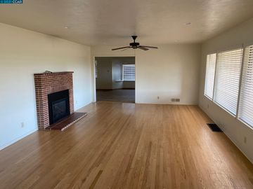 14615 E Peltier Rd Acampo CA Home. Photo 3 of 20