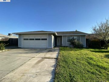 1536 Windgate Dr, Manteca, CA