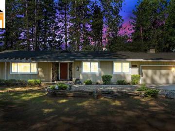 16101 Paradise Rd, Buckhorn, CA