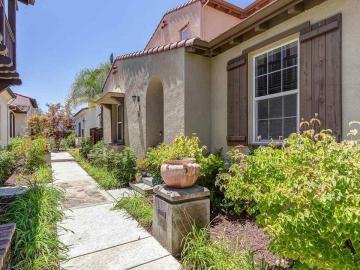 187 Maidenhair Ct, Gale Ranch, CA