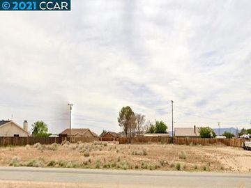 20277 Hacienda Blvd California City CA. Photo 3 of 21