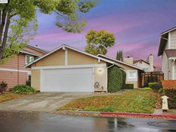 2145 Armstrong Dr, Pleasant Village, CA