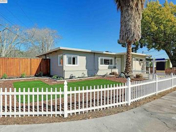 24320 Groom St, Central Hayward, CA