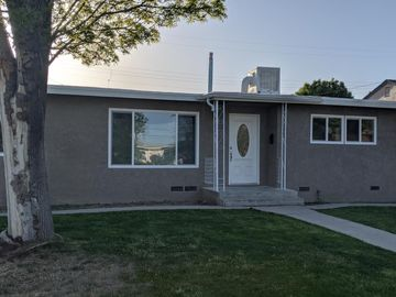 325 Wetherley Dr, Bakersfield, CA