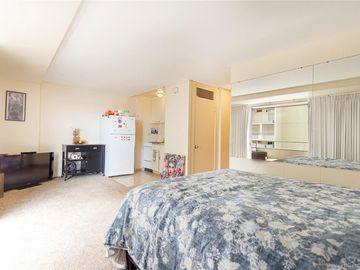 445 Kaiolu St unit #414, Waikiki, HI
