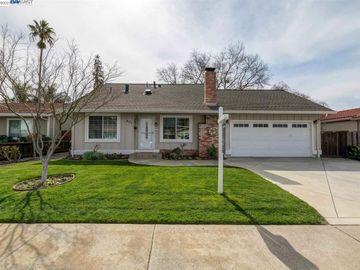 453 Hanover St, Summerset, CA