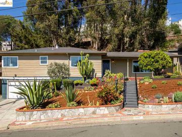 4697 Geranium Pl Oakland CA Home. Photo 2 of 35