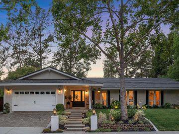 637 Thornhill Rd, Sycamore, CA