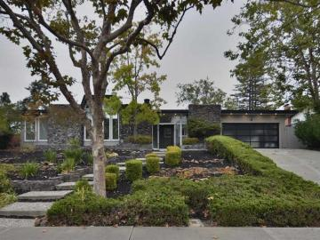 697 Thornhill Rd, Sycamore, CA