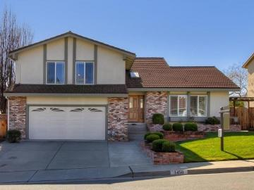 7450 Alder Ct, Oak Hills, CA