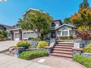 7659 Maywood Dr, Forest Hills Est, CA