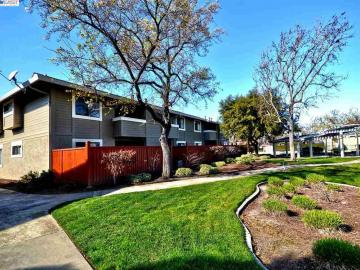 7673 Arbor Creek Circle 137 unit #137, Arbor Creek, CA