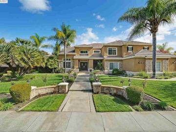 7937 Paragon Cir, Laguna Oaks, CA