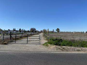 261 S Reid Ave, Linden, CA