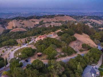 Top Of The Hill Rd, Los Gatos, CA